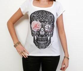 Flower skull: pretty t-shirt, celebrity picture 7015266